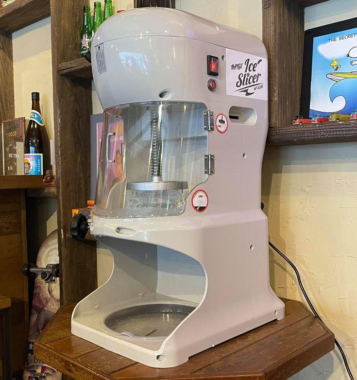 白くてきれいなかき氷マシン
